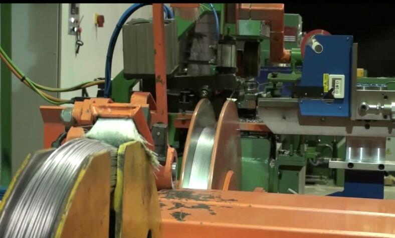 wrapping machine, coiling machine